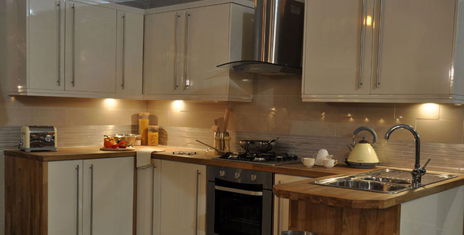 Small Kitchens  Operated By Kitchen Uber  Call today on  0207 078